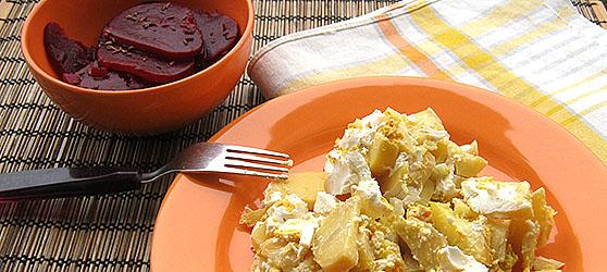 cartofi frantuzesti cu salata de sfecla photo