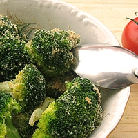 Broccoli cu parmezan si pesmet