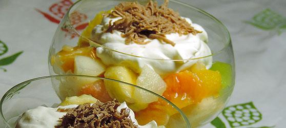 salata de fructe photo