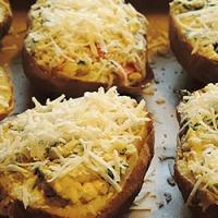 Cartofi copti cu legume