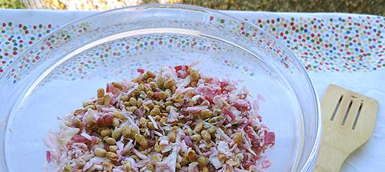 Salata de varza cu sfecla si ardei iute photo