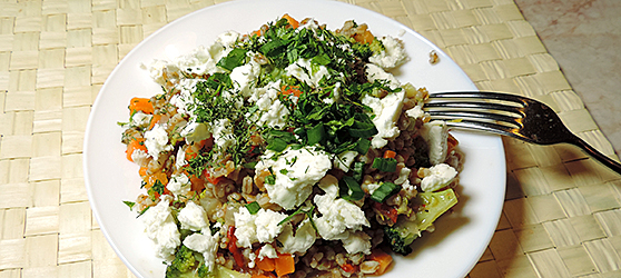 Salata calda cu legume si arpacas photo