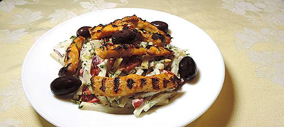 Salata de gulii cu piept de pui la gratar photo
