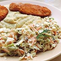 Salata de varza cu stafide si marar
