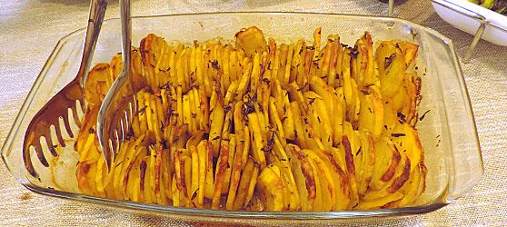 Cartofi cu verdeata in straturi photo
