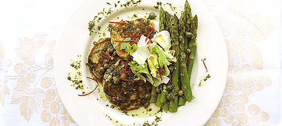 Clatite verzi cu sparanghel si sos de capere (photo)